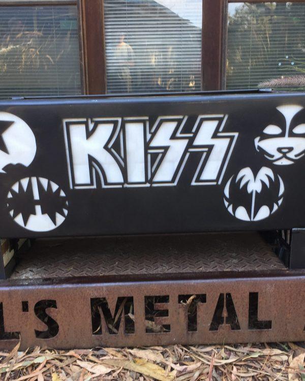 FLAT PACK KISS Fire Pit